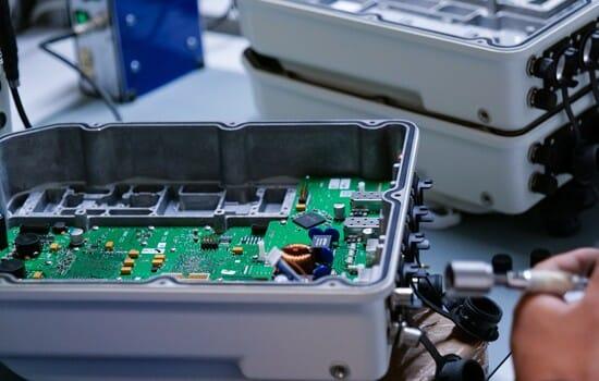 assemblaggio prodotto elettrico in outsourcing